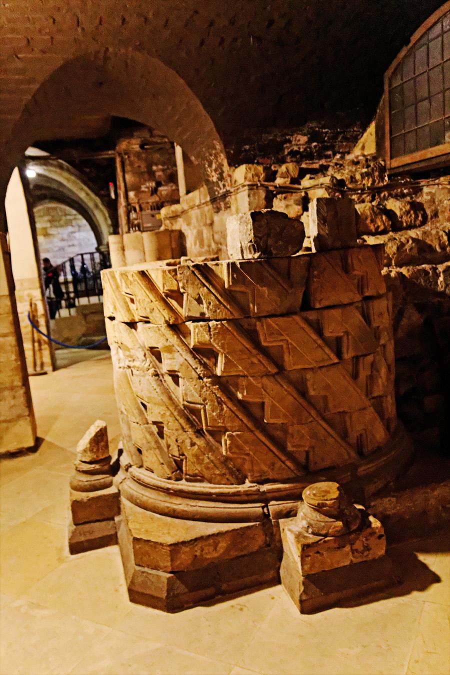 Uma coluna do templo normando.