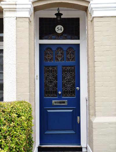 06 Inspiração portas azul ferragem prata