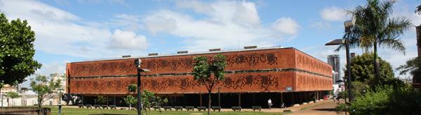 Biblioteca da UFU - Campus Sta Mônica ~ arquitetura Zimbres e Luis Antonio Almeida Reis