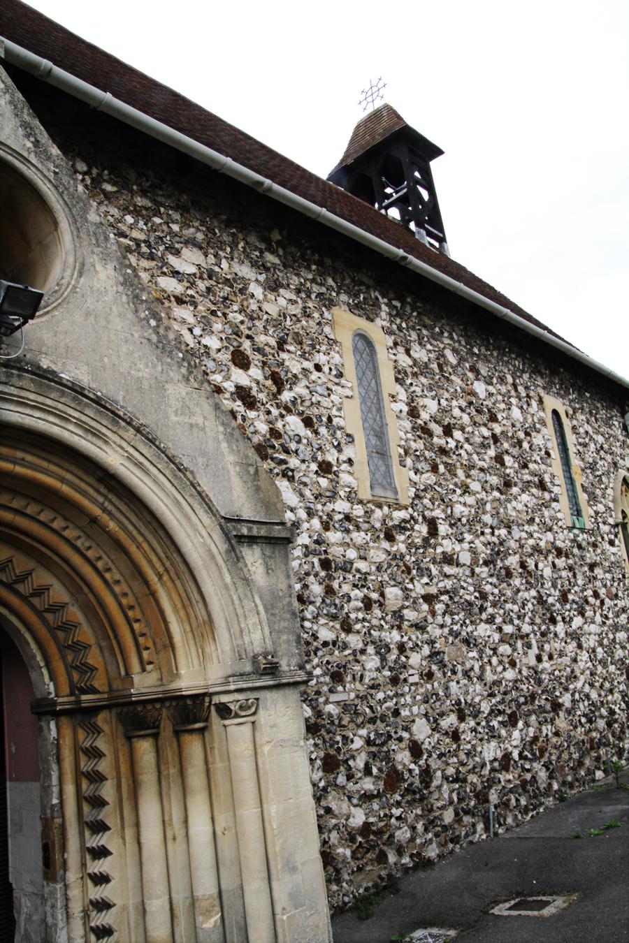 Fachada sul da igreja St Laurence