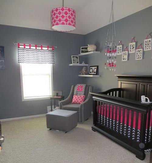quartos de bebê azul marinho e rosa