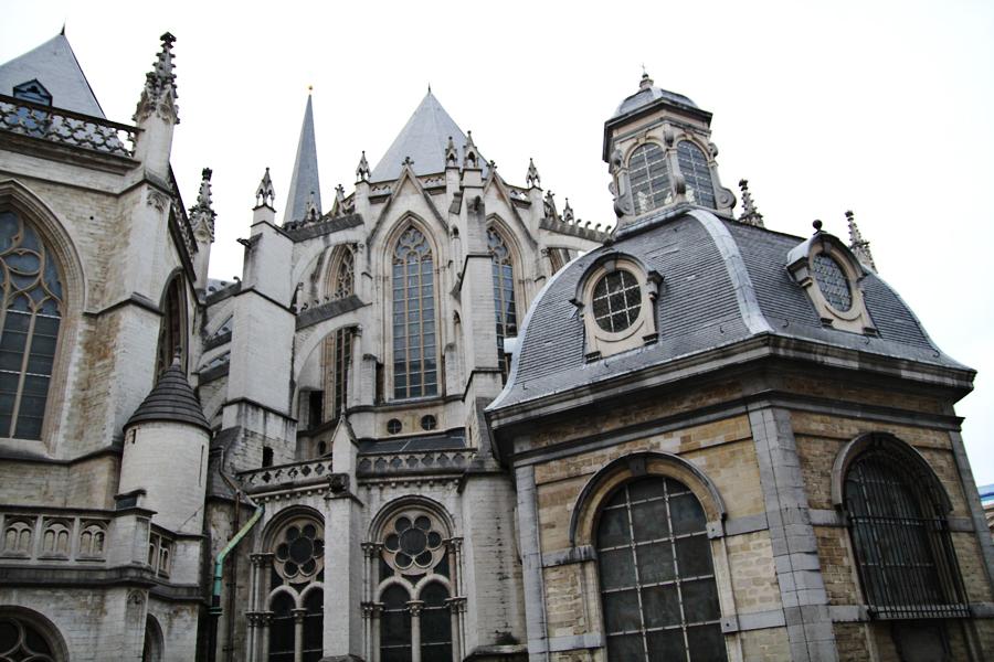 Roteiro Arquitetura Bruxelas Catedral St Michel e Gudule 02