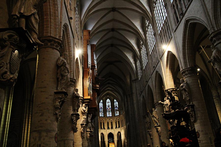 Roteiro Arquitetura Bruxelas Catedral St Michel e Gudule 06